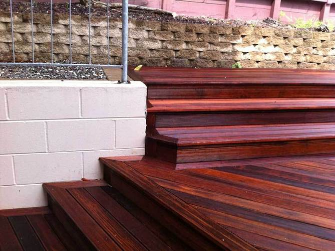 kwila-timber-garden-deck-and-stairs-quality-craftmanship