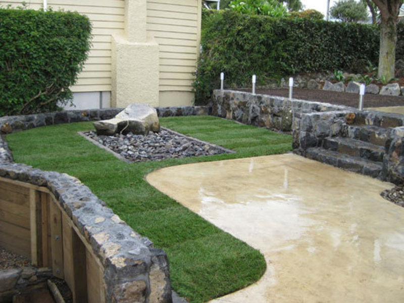 New-Front-Garden-Makeover-coloured-concrete-stone-steps-retaining-wall-raised-planter-garden-new-lawn