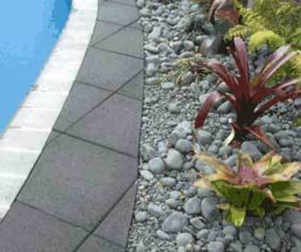 Swimming-Pool-Paving-landscaping-ideas