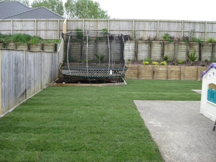 Retaining-Wall-and-Laid--garden-makeover