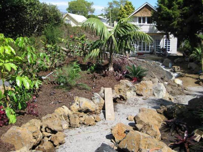 Setting-Out-Paths-for-garden-make-over