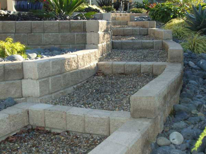 Ezi-wall-Cascading-Steps-planter-beds-ideas