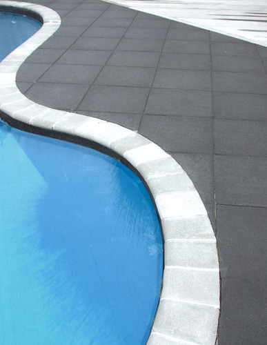 Curvaceous-Pool-Paving-swimming-pool-solutions
